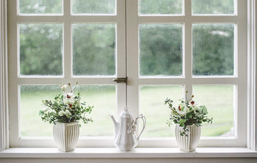 białe okna